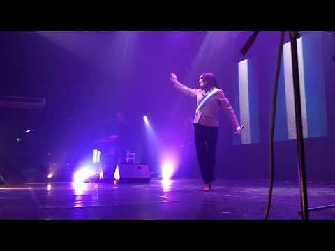 Contratar a Fatima Florez - Evento en Madero Tango