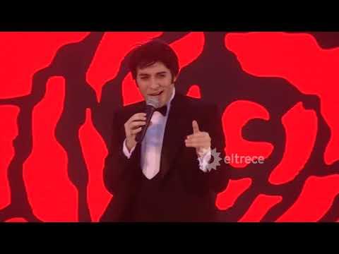 Fernando San Martín homenajeó a Sandro en Mar del Plata Moda Show 2020