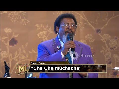 "Ruben Rada cantó ""Cha cha muchacha"" en la mesa de Mirtha"