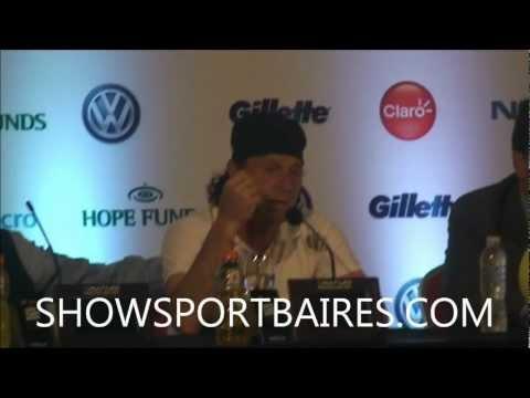 Divertida Conferencia de prensa entre Vilas y Clerc previo a Federer - Del Potro SHOWSPORTBAIRES.COM
