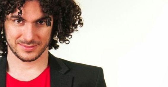 Podes contratar a Andres Ini en World Music BA. Consultá acá