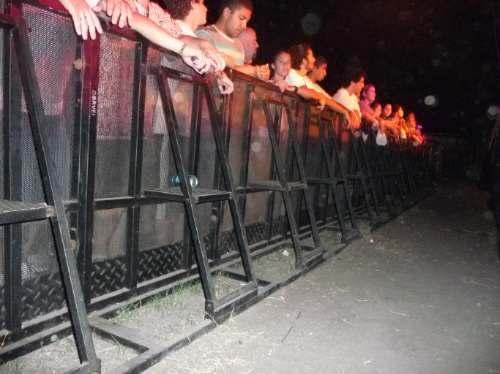 Contratar estructuras vallados world music ba - Valla de seguridad ...