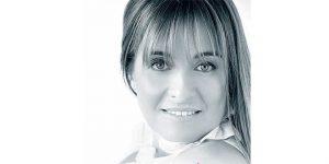 contratar a Gabriela Arias Uriburu